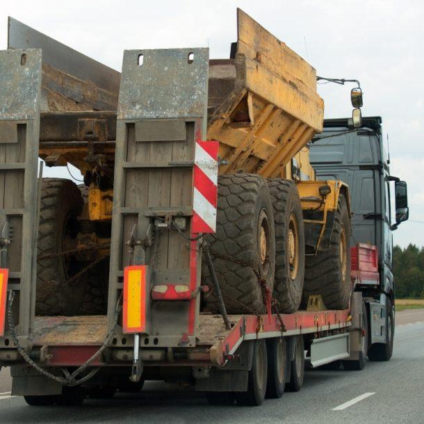 Lauksaimniecības tehnikas transports